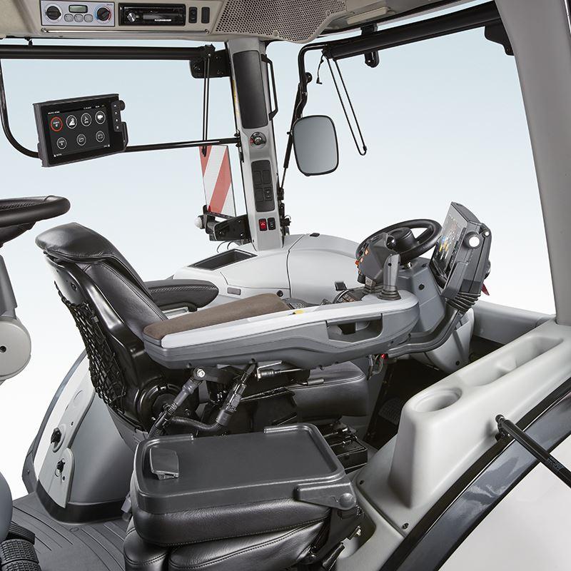 S394-cab-interior-studio-2018
