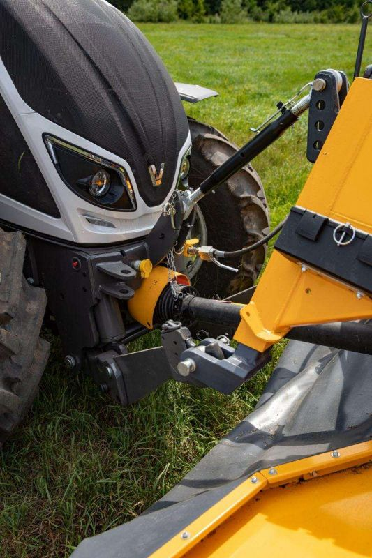 Valtra-A_Series-HiTech4-front-linkage-front-pto-800x1200